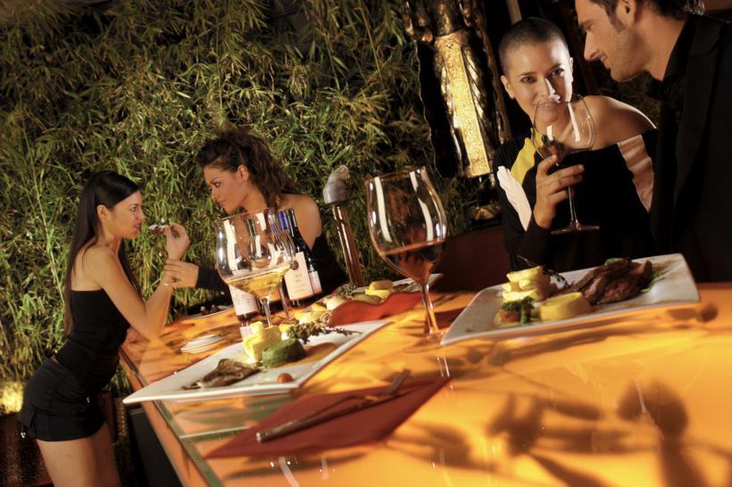 italienischer aperitivo top 15 luxusbars in mailand blog ville in. Black Bedroom Furniture Sets. Home Design Ideas