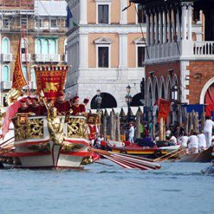 Genua, Pisa, Venedig und Amalfi: mit der Regatta eine 'full immersion' in die Schönheiten Italiens
