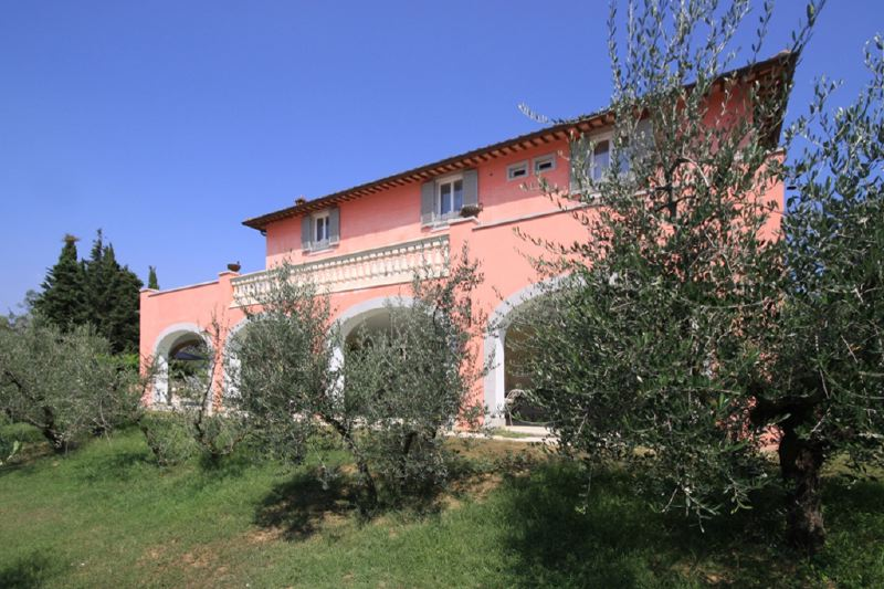 Villa campoantico ferienvillen in pieve a maiano ville for Ville in italia